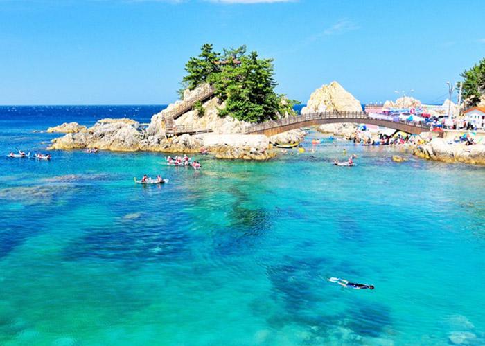 Hasil gambar untuk jangho beach